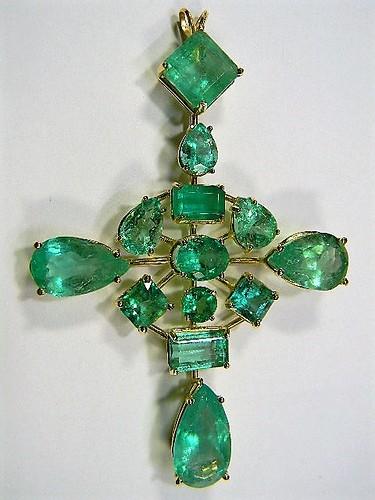 DSCN8395 50 cts columbian emerald +